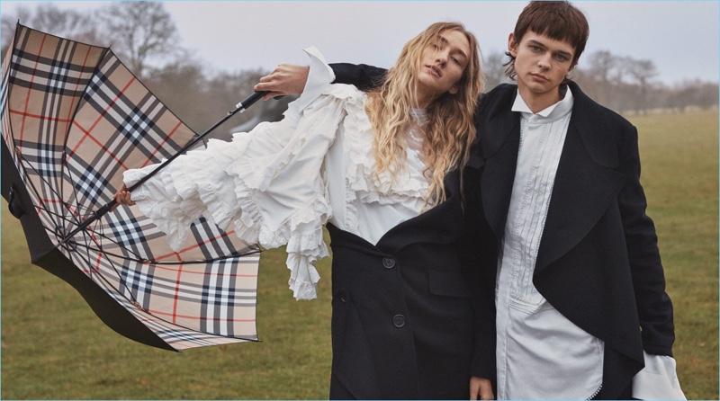 Alex K and Tamara Long star in Burberry's spring 2017 campaign.
