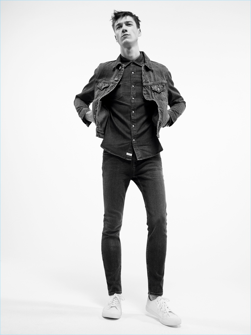 Mango Man presents a triple denim threat with its denim jacket, shirt, and skinny jeans.