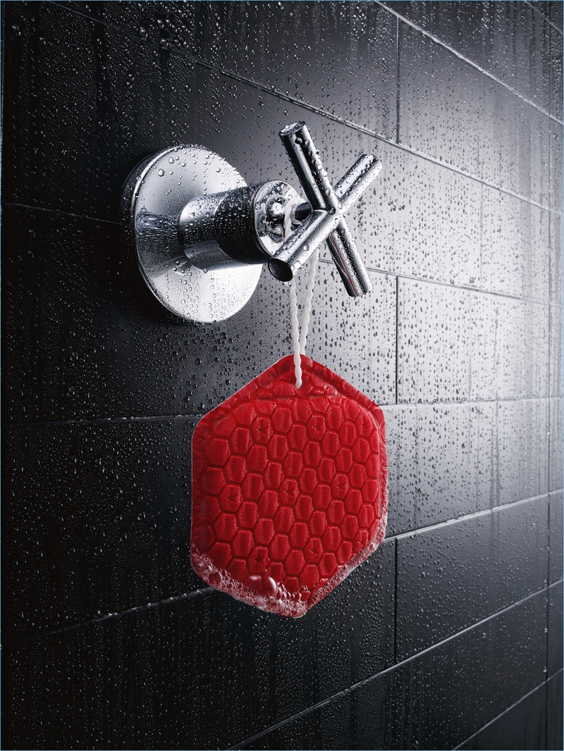 Hang the Old Spice DUO to dry and it's ready for your next shower.