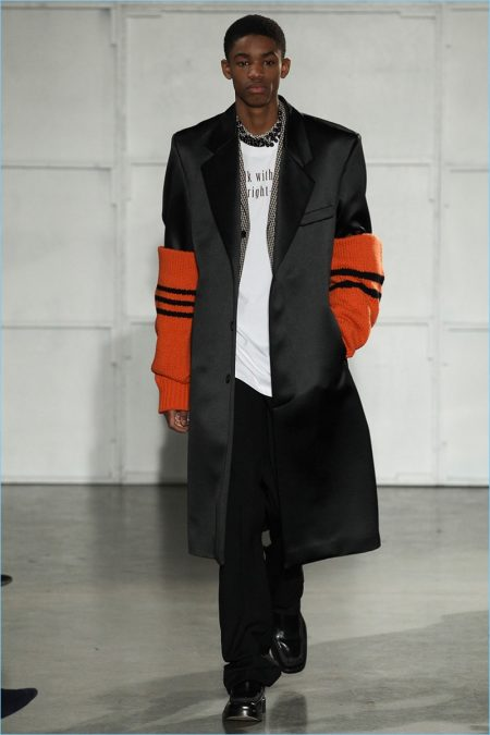 Raf Simons Takes on Big Apple Style for Fall '17 Collection