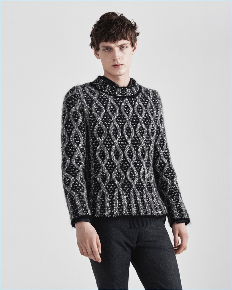 Fashion brand Jeffrey Rüdes delivers a graphic spin on the cable-knit sweater for its fall-winter 2017 collection.