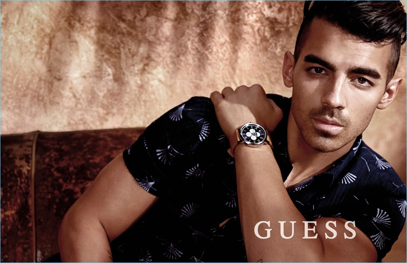 GUESS taps Joe Jonas as the face of its spring-summer 2017 Watch campaign.