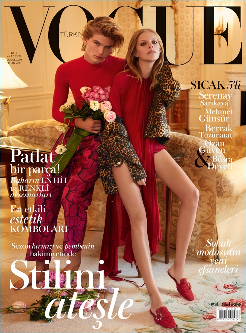 Models Jordan Barrett and Lexi Boling cover the April 2017 issue of Vogue Turkey.