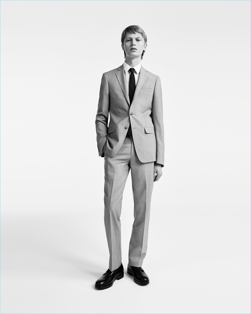 Jonas Glöer suits up for Calvin Klein's spring-summer 2017 campaign.
