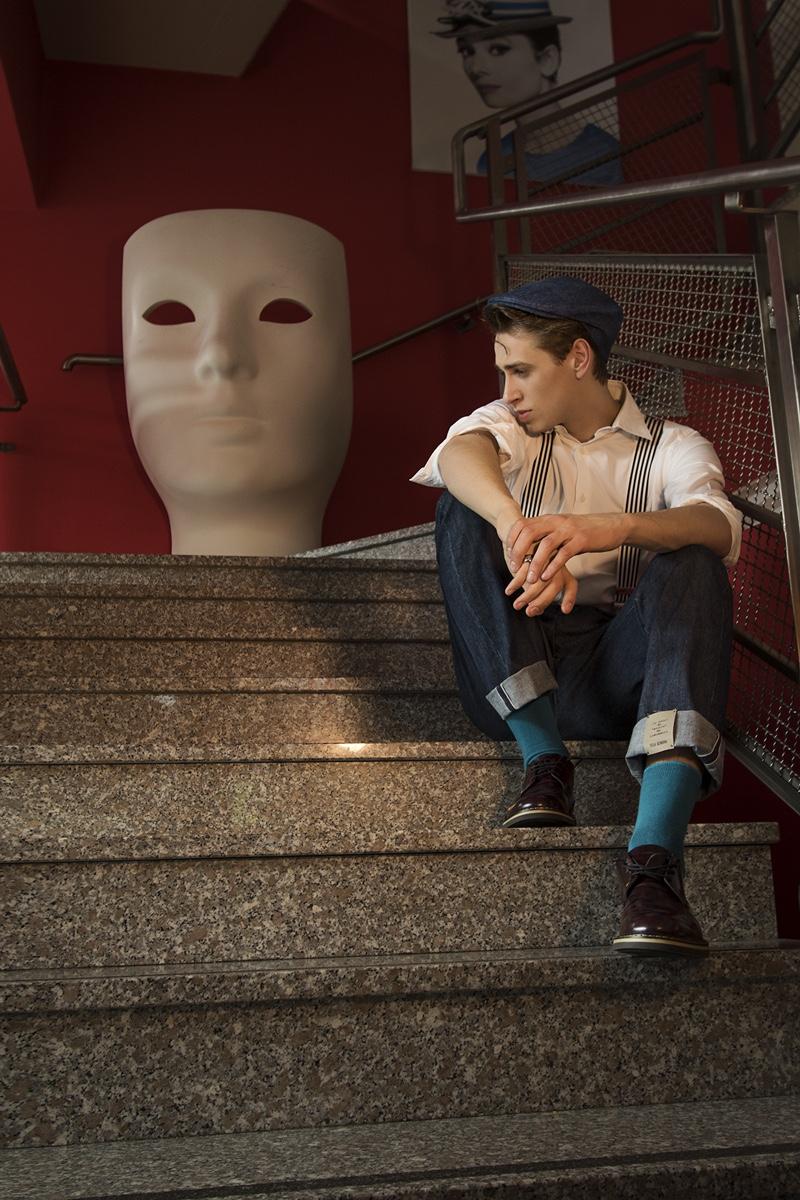 Heiko wears shirt Zuelements, shoes Rocco P., jeans and cap Tela Genova.
