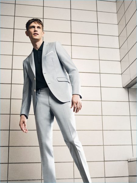Mathias Lauridsen Reunites with Zara, Dons Summer Tailoring