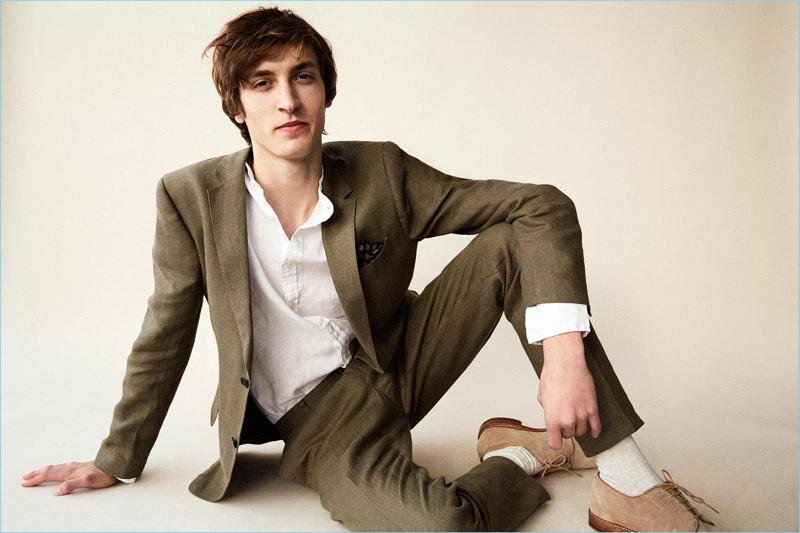 e6a3d8118baf Tim Dibble sports a Club Monaco Grant linen suit blazer $398 and trousers  $198.50. He
