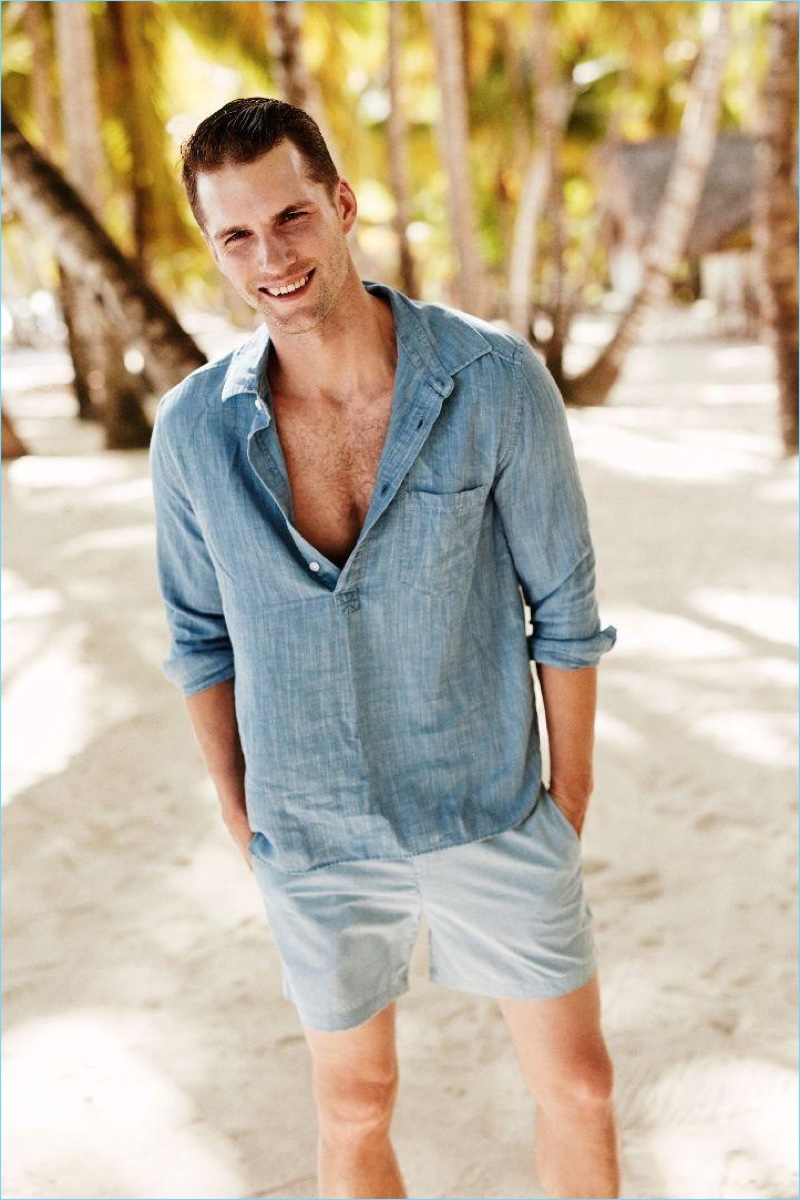 All smiles, Tomas Skoloudik sports a popover shirt and shorts for Solid & Striped's spring-summer 2017 campaign.