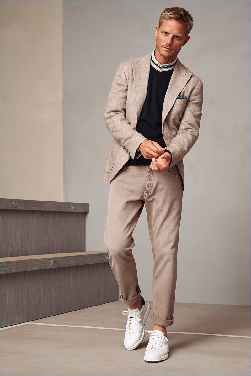 Brunello Cucinelli presents its spring-summer 2018 men's collection.