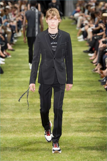 Kris Van Assche Deconstructs the Dior Suit for Spring '18 Collection