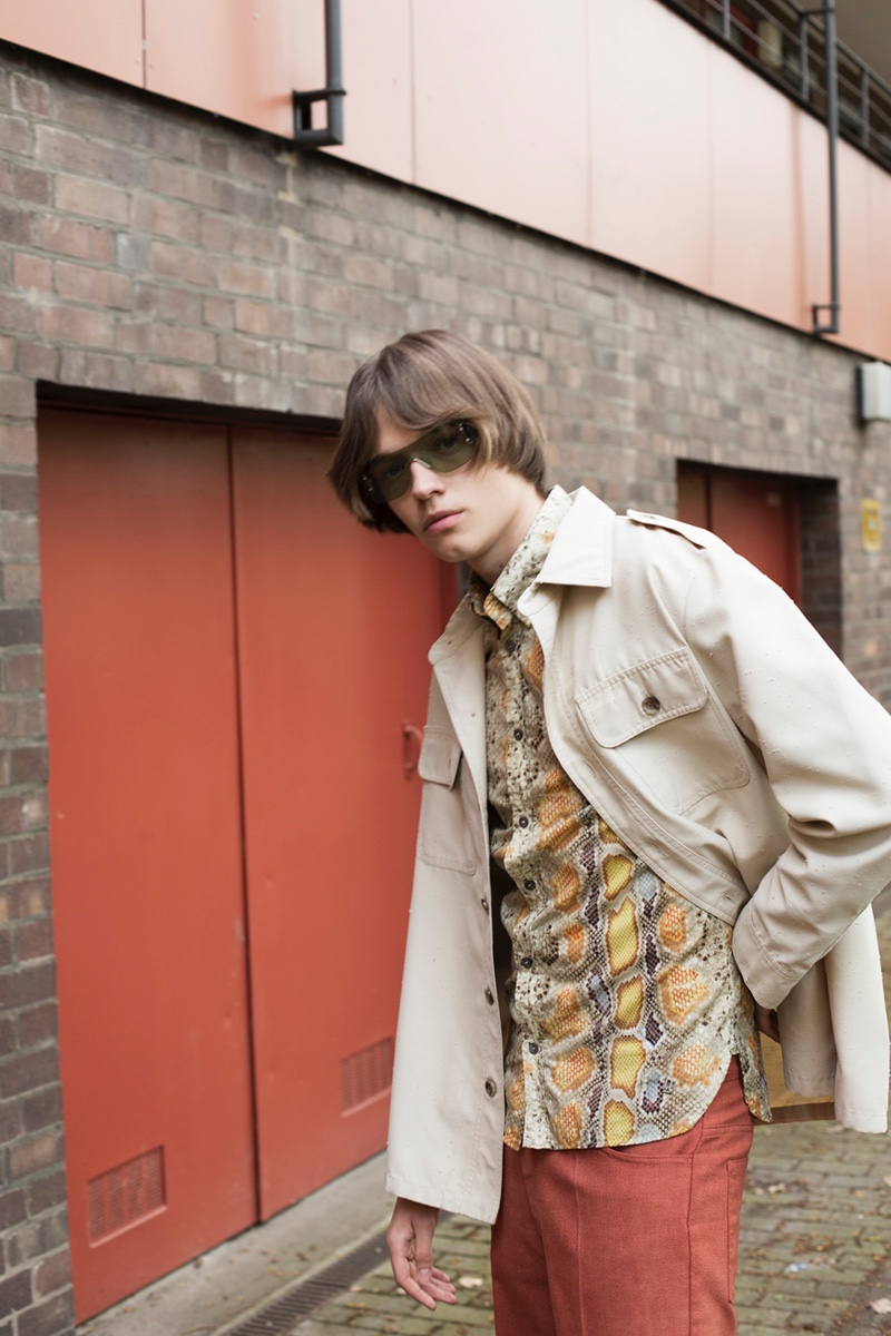 Carl wears shirt John Galliano, jacket Christian Dior, pants Levi's and sunglasses Gucci.