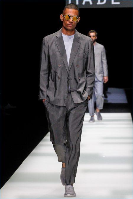 Made in Armani: Giorgio Armani Delivers Signature Designs for Spring '18 Collection