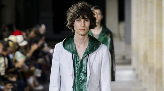 Hermès presents its spring-summer 2018 men's collection during Paris Fashion Week.