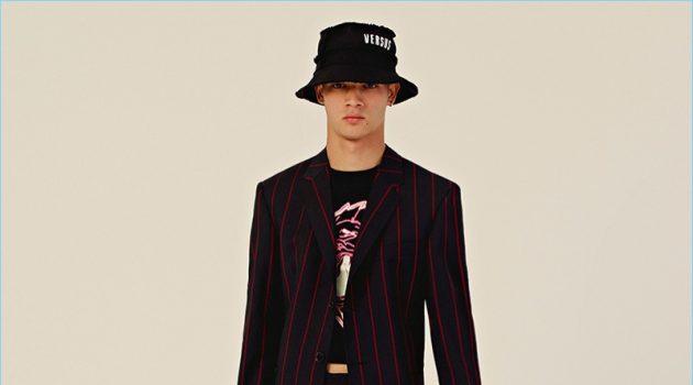 Versus Versace presents its resort 2018 men's collection.