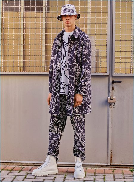 Versus Versace Presents a Style Clash for Resort '18 Collection