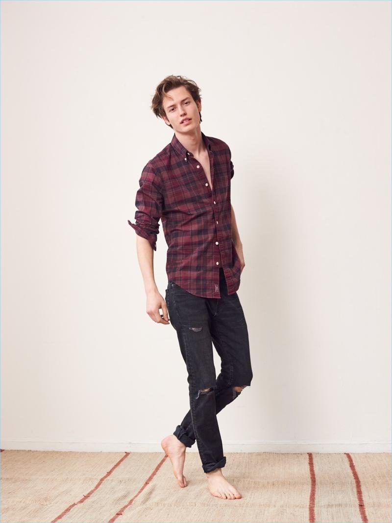 Nathan Morgan wears black Abercrombie & Fitch Langdon black slim jeans $49.