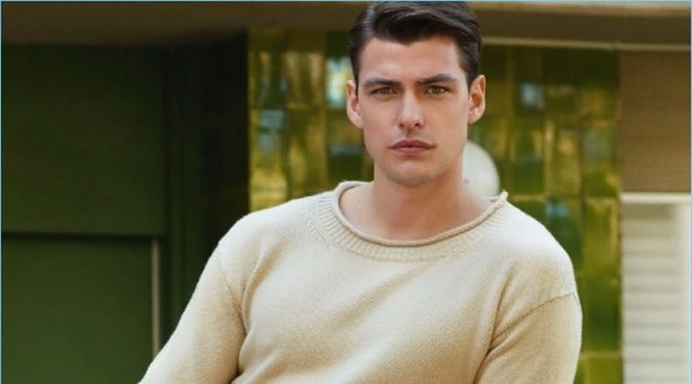 Tudo as Claras: Filip Wolfe Models Smart Neutrals for Men's Health Portugal