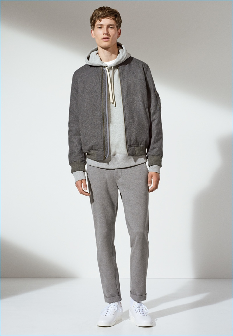 Gap champions monochromatic style with a casual fall look.