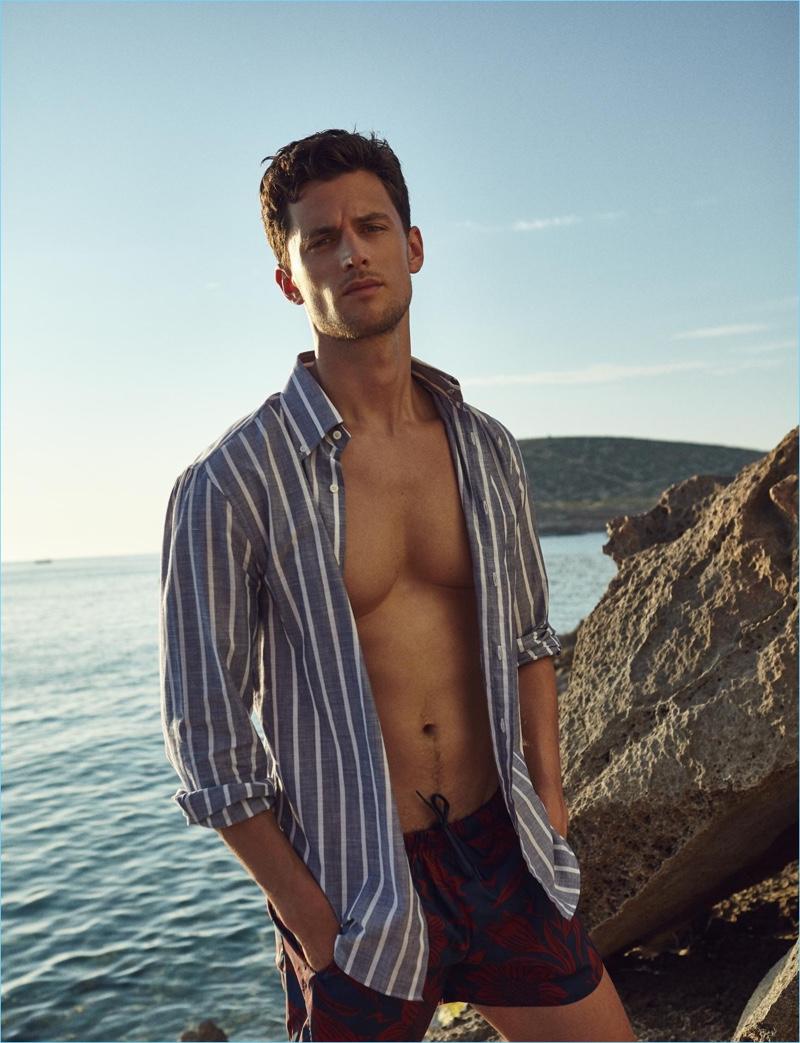 Garrett Neff stars in a fashion editorial for Código Único.