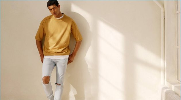 Tidiou M'Baye goes casual in an on-trend look from H&M.