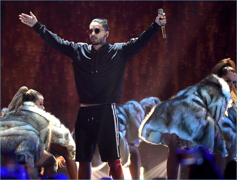 Taking the stage at Univision's 2017 Premios Juventud, Maluma wears a matching sweatshirt and shorts by Gucci.