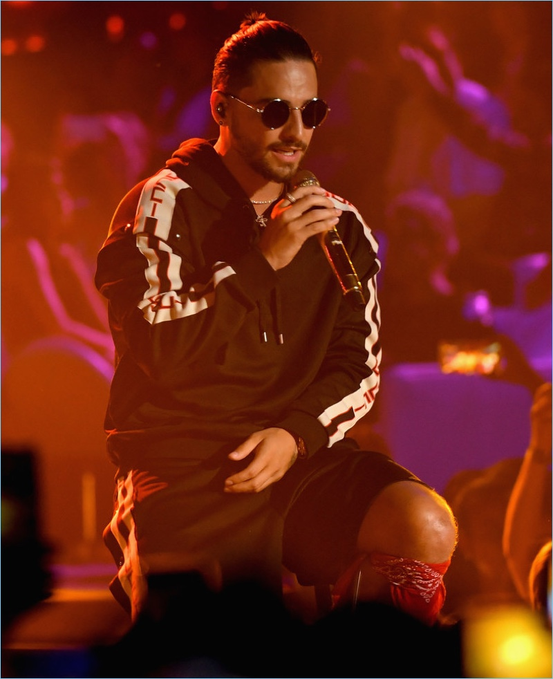 Singer Maluma sports a Gucci outfit at Univision's 2017 Premios Juventud.