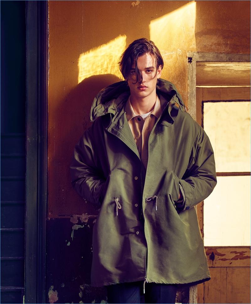 Model Jegor Venned wears an oversize parka for Mango Man's fall-winter 2017 campaign.