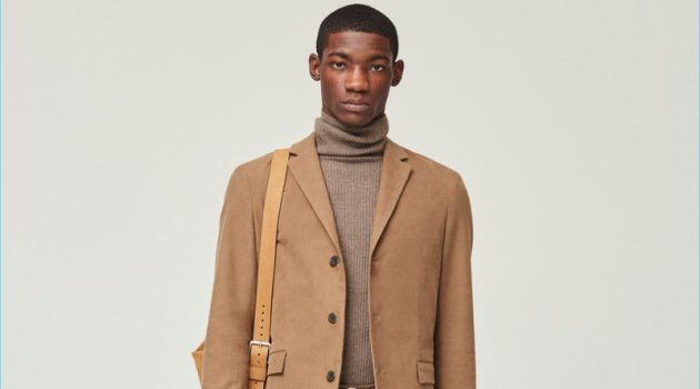 Fashion brand Theory provides brown inspiration with a monochromatic look from its fall-winter 2017 collection.