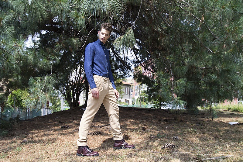 Andrei wears pants Doppiaa and shirt Alessandro Gherardi, and shoes Moncler.