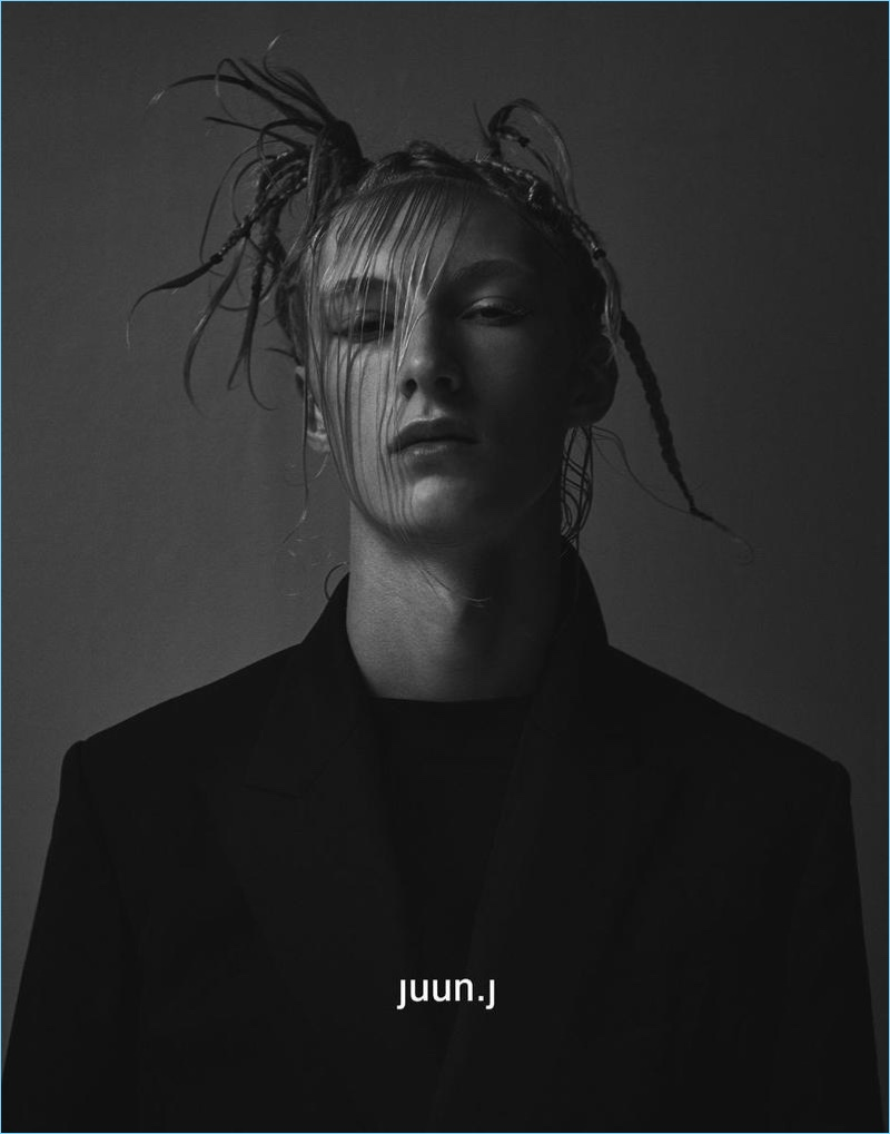 Ville Sydfors stars in JUUN.J's fall-winter 2017 campaign.