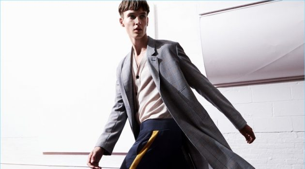 Zara Man introduces its sustainable fashions for fall-winter 2017.