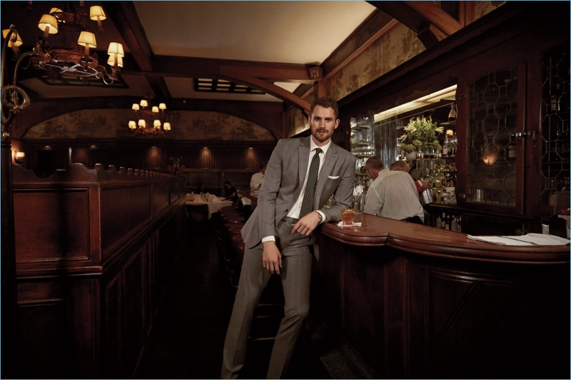 Kevin Love reunites with Banana Republic for its fall-winter 2017 campaign.