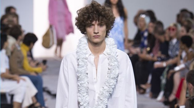Michael Kors Delivers Vacation-Ready Fashions for Spring '18 Collection