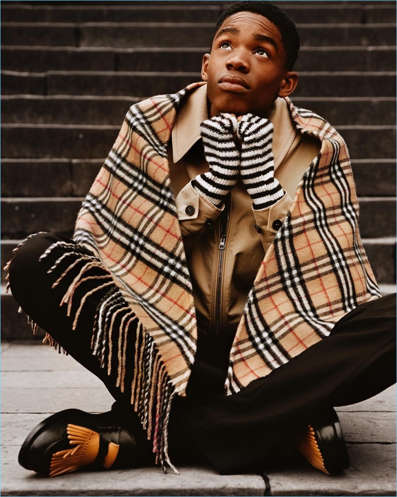 Montell Martin wears a Burberry check scarf for the brand's fall-winter 2017 campaign.