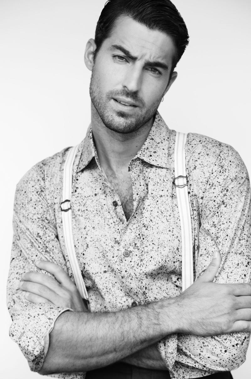 Antonio wears shirt Galo Bertin and trousers Medwinds.