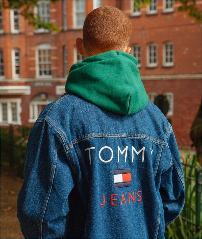 Tommy Hilfiger channels nineties style with this denim jacket from its Tommy Jeans collection.