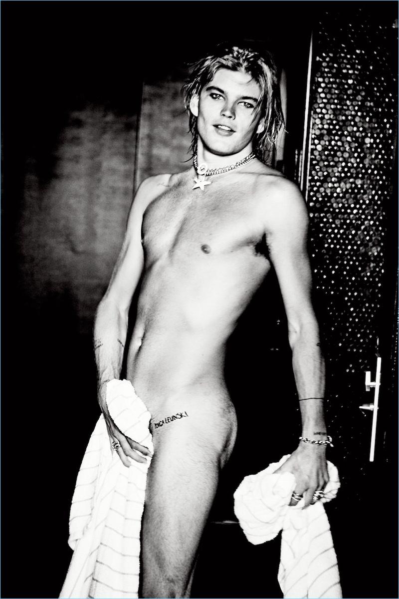 Jordan Barrett Naked Model Photo