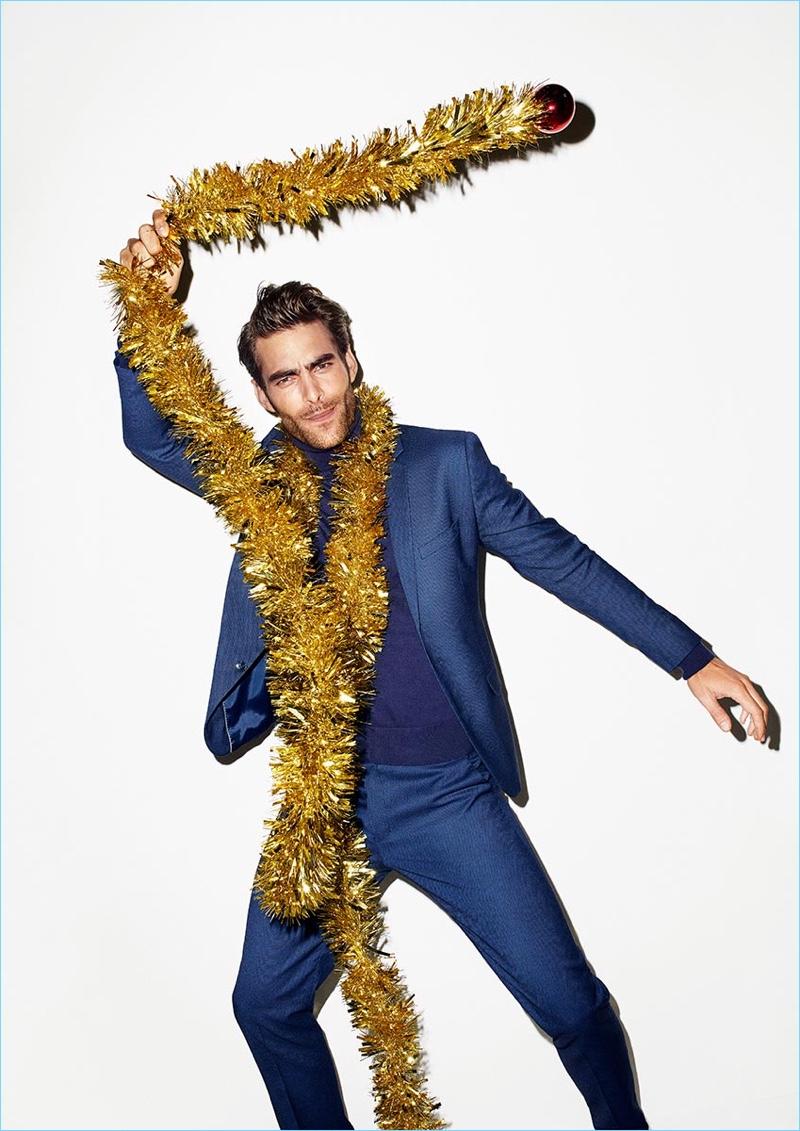 Jon Kortajarena fronts Reserved's holiday 2017 campaign.
