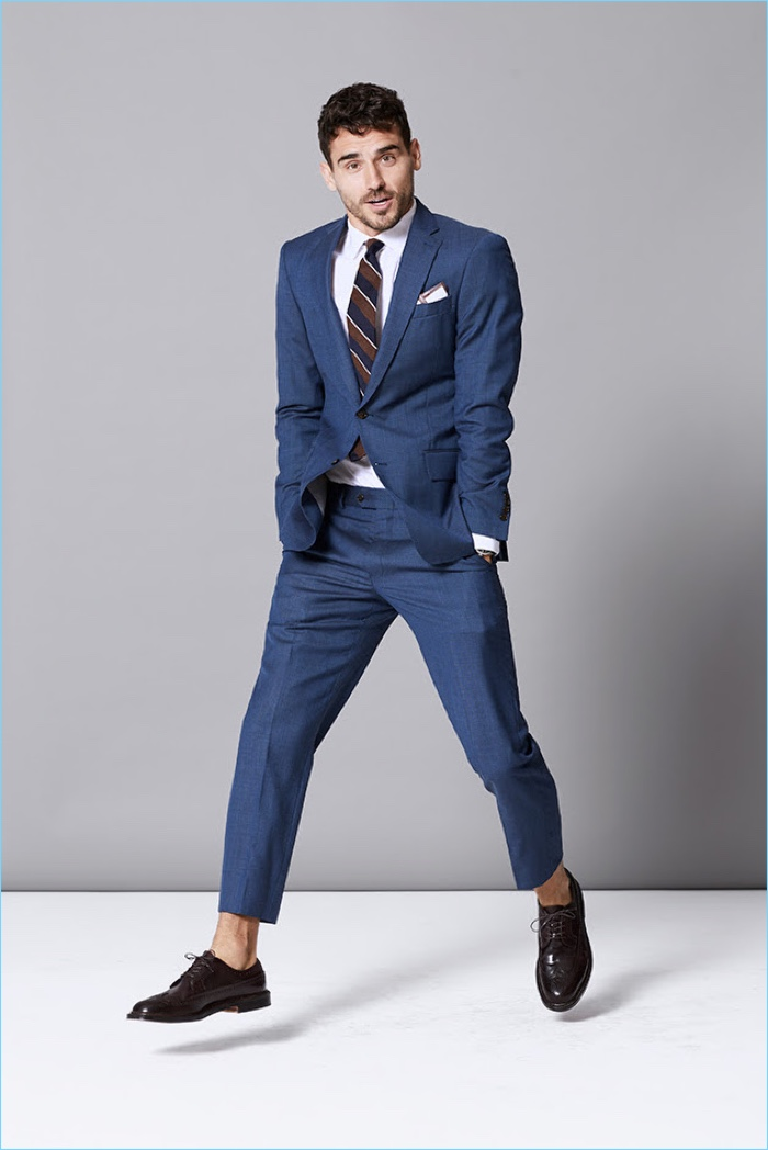 Arthur Kulkov dons Todd Snyder's stretch wool Sutton suit in blue.