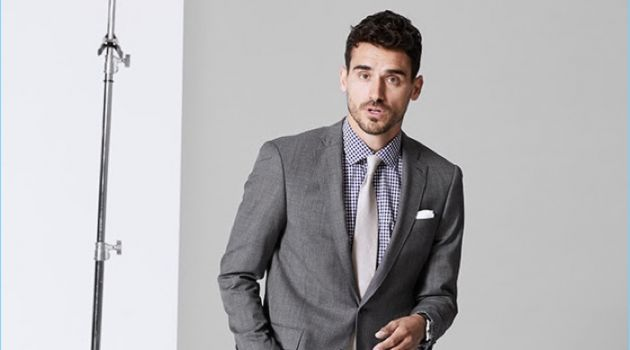 Arthur Kulkov Makes a Case for Todd Snyder's Stretch Wool Suit