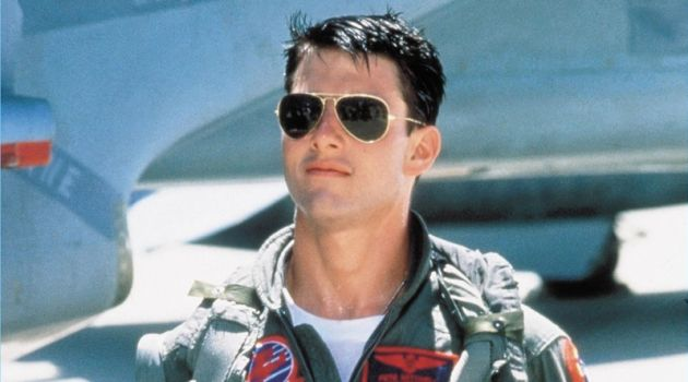 Tom Cruise plays Maverick in the 1986 movie Top Gun. He wears Ray-Ban aviator sunglasses.