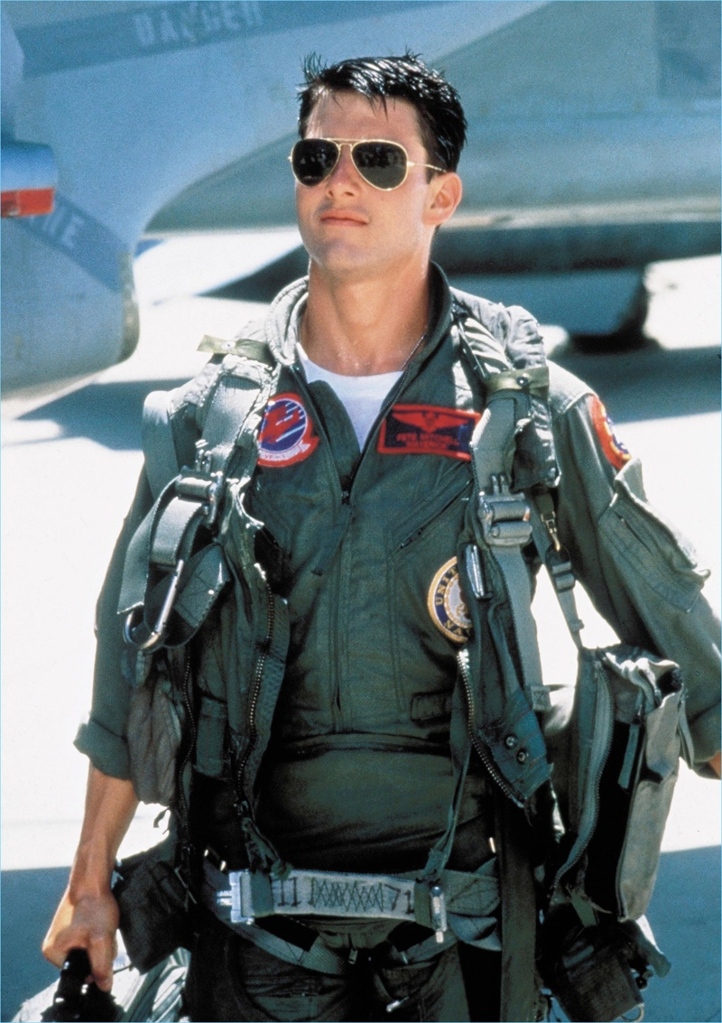 bc8b27134e Tom Cruise plays Maverick in the 1986 movie Top Gun. He wears Ray-Ban