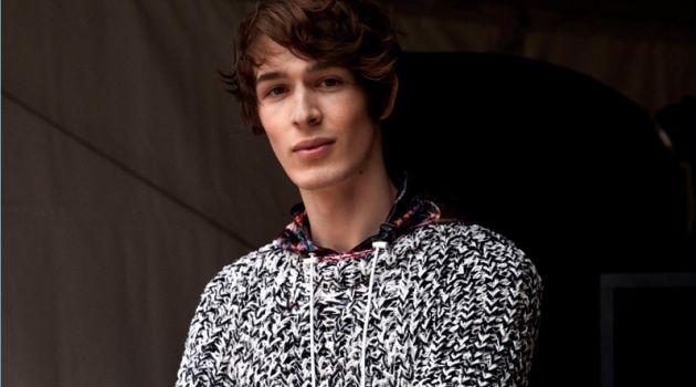 Isabel Marant Turns Up the Knit Factor for Spring '18 Men's Debut