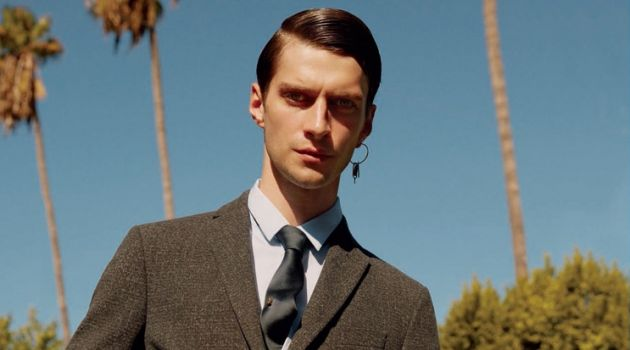 Matthew Bell Heads to Palm Springs for Icon El País