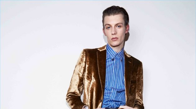 Roberto Cavalli Embraces Grounded Glamour for Pre-Fall '18 Collection