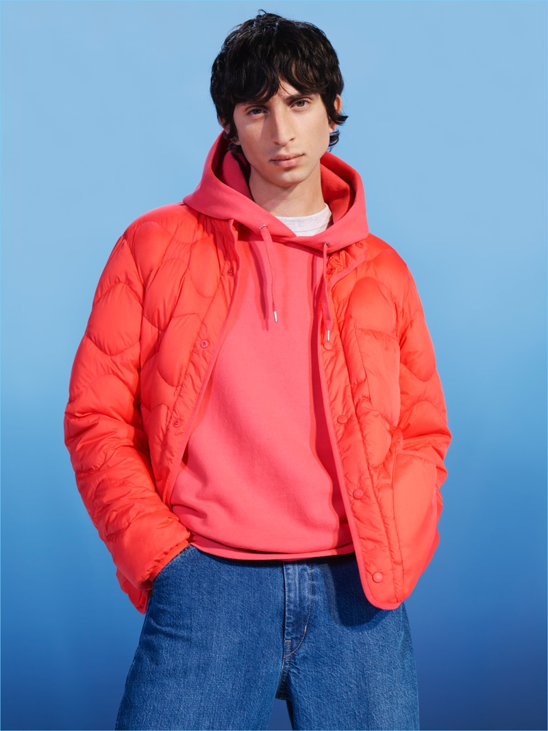 Embracing a 90s vibe, Uniqlo U provides sporty separates with relaxed shapes.
