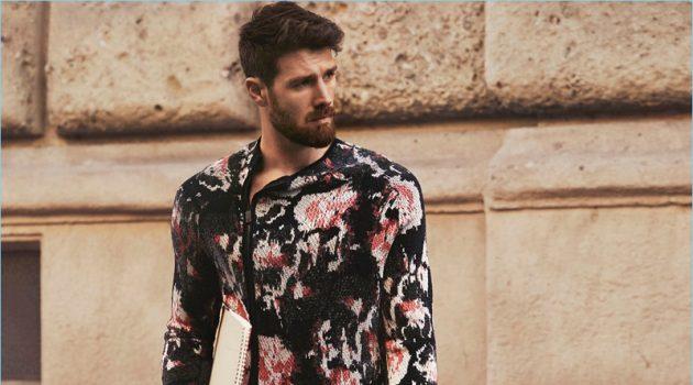 Emporio Armani unveils its spring-summer 2018 campaign.
