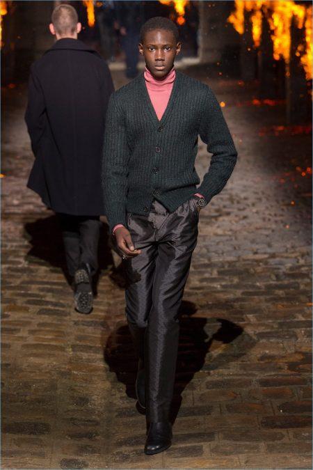 Hermès Walks the Cobbled Path for Fall '18