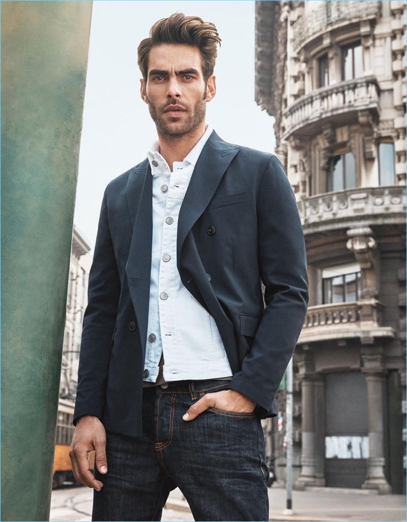 Top model Jon Kortajarena appears in Liu Jo Uomo's spring-summer 2018 campaign.