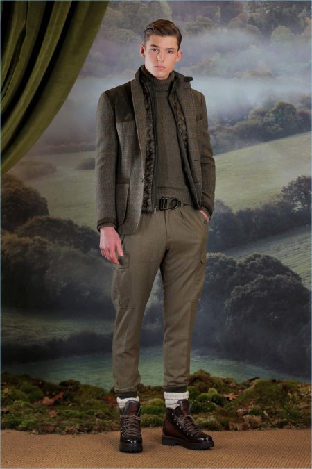 Ralph Lauren Purple Label Channels Elegant Military Style for Fall '18 Collection